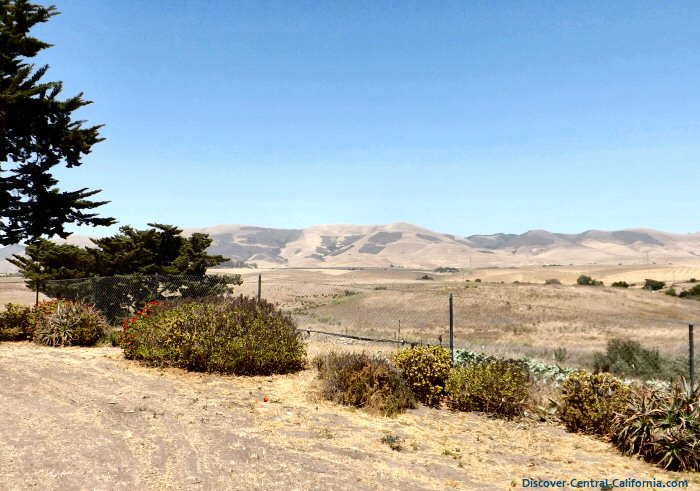 The view from the Dana Adobe over the Nipomo Valley and the Temattate Ridge in the distance