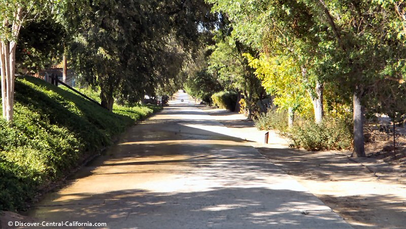 An early 20th century section of Highway 101 beside Rios Caledonia adobe