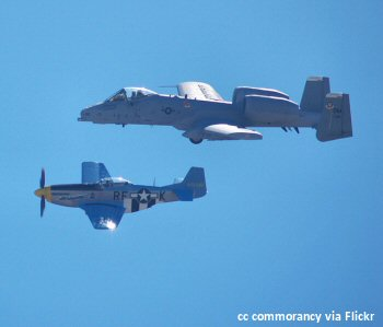 A10 Thunderbolt and P51 Mustang at the Salinas Airshow