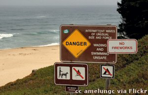 Dangerous swimming at the beach