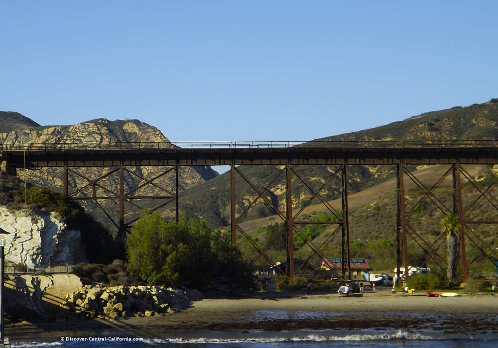 Northward view of the Gaviota Pass from the pier