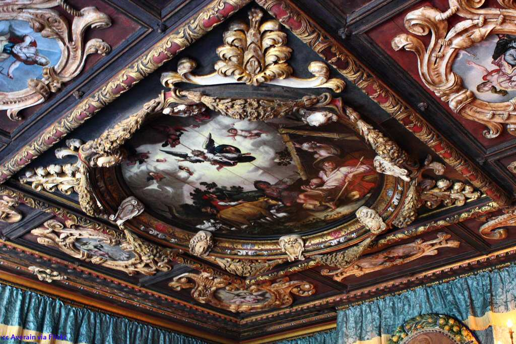 Ceiling art - angels announcing the birth of Christ