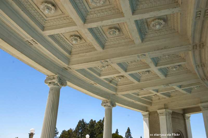 The ceiling of the peristyle surrounding the Neptune Pool