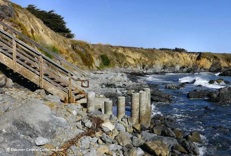 Southerly view of the beach at Lampton Cliffs in Cambria