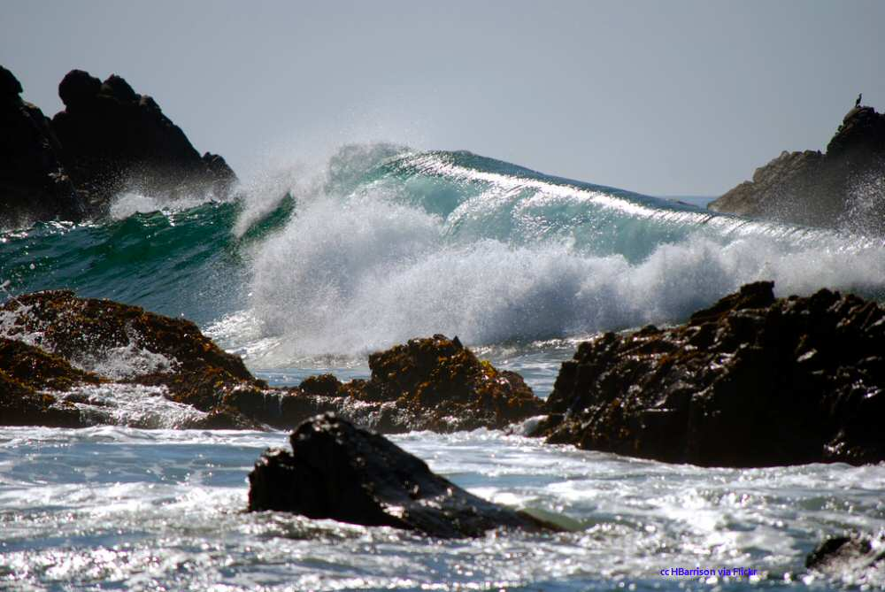 Big surf at Pfeiffer Beach