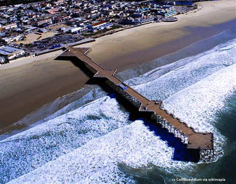 Nice aerial view of the Pismo pier showing the cantilevers