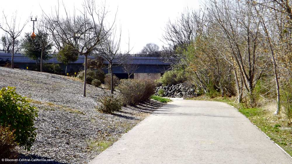 North trailhead of the Salinas Riverwalk in Paso Robles