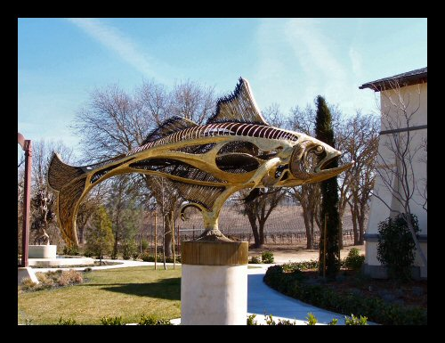 The massive tarpon sculpture at Sculpterra Winery in Paso Robles