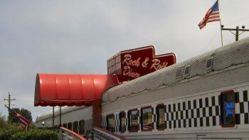 Exterior of the Rock and Roll Diner in Oceano