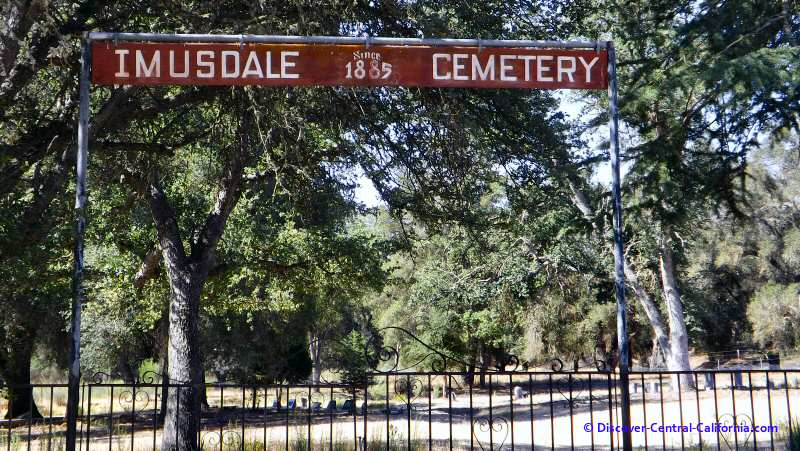Imusdale Cemetery in the Parkfield Valley off Vineyard Canyon Road